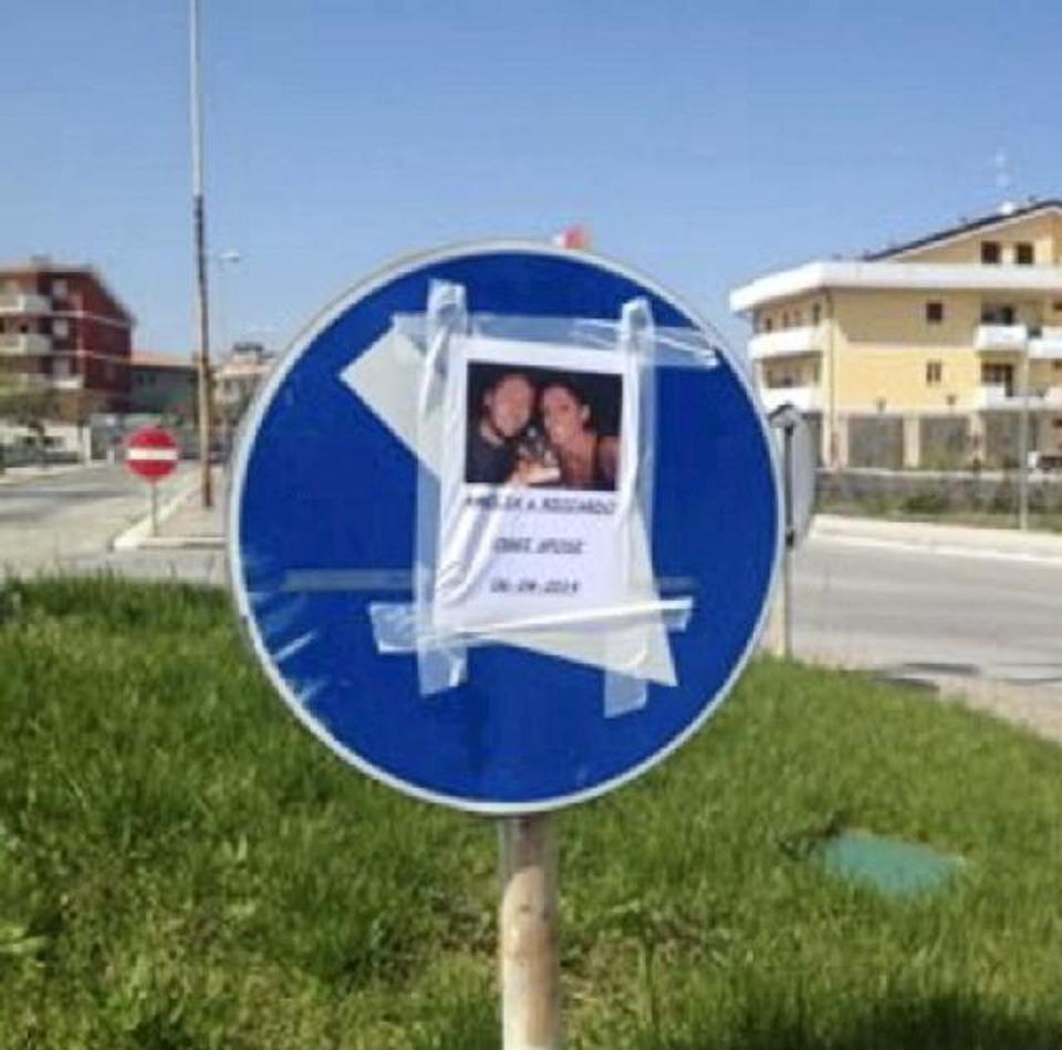 """Ben noto Via i cartelli """"W gli sposi"""": multe per le nozze troppo goliardiche VL34"""