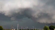 Il fenomeno dello Shelf Cloud a Villafranca Padovana (dalla pagina Bassa Pianura Padana Photo e Meteo)