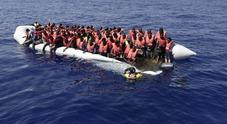 Sea Watch: gommone con 80 migranti affonda. La Marina: recuperati dai libici