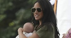 /photos/PANORAMA_MED/19/60/4641960_1046_meghan_markle_archie.jpg