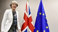Brexit, appello di May ai leader Ue:  «Difendetemi da attacchi interni»