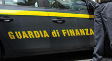Fatture false, la Guardia di finanza sequestra beni per 800 mila euro
