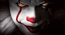 Pennywise, il pagliaccio killer del film It (foto Warner Bros.)