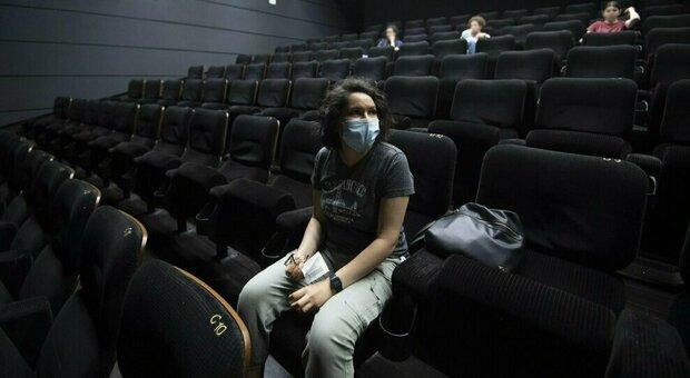 Cinema, si torna in sala: una riapertura anche nel segno degli Oscar
