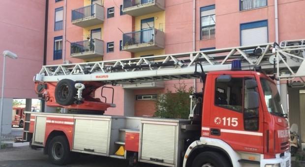 Rumori strani dall appartamento donna salva grazie ai vicini di casa - Rumori molesti vicini di casa ...