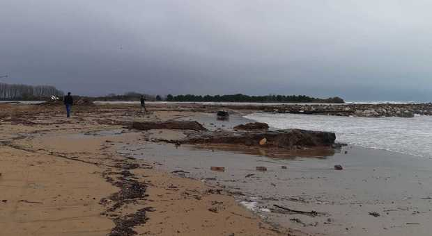 Mareggiata a Jesolo, sparita la spiaggia e gravi danni agli alberghi - Il Gazzettino