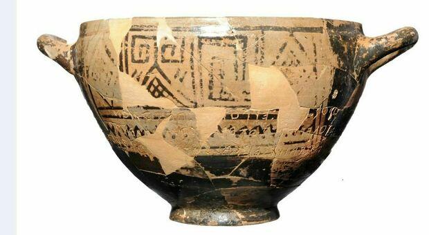 Nella foto la Coppa di Nestore dell'VIII secolo a.C. (MUSEO DELLE CIVILTA')
