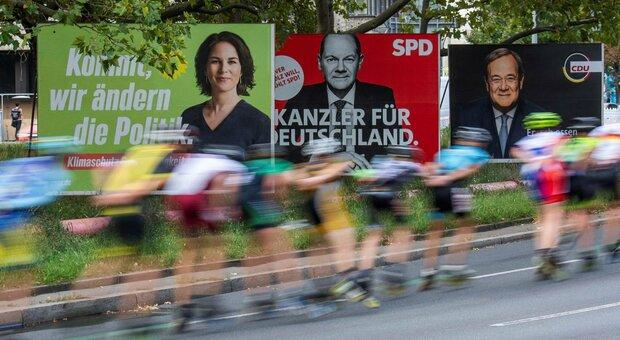 Elezioni in Germania, Spd avanti (e rivendica la cancelleria per Scholz) sulla Cdu: «Coalizione prima di Natale»