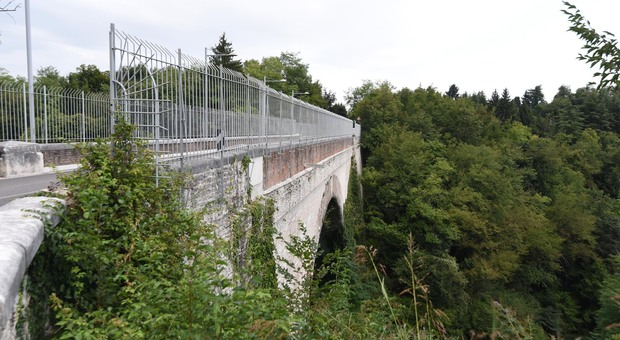 Il ponte sul torrente Lastego