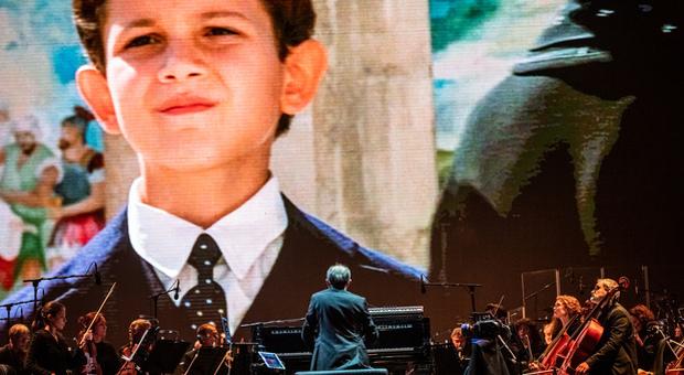 Battiato, il tributo a Verona: l ultimo saluto che commuove il pubblico
