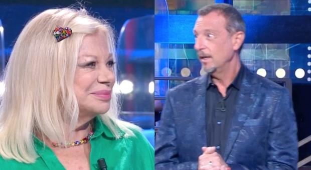 """Soliti Ignoti, Sandra Milo """"viola"""" il regolamento del gioco. Interviene Amadeus: «Non era mai successo...»"""