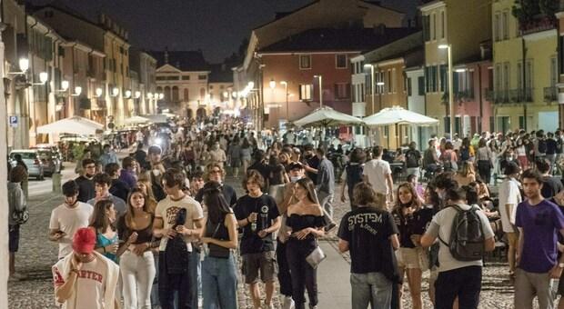 Assembramenti di giovani in zona Portello, a Padova