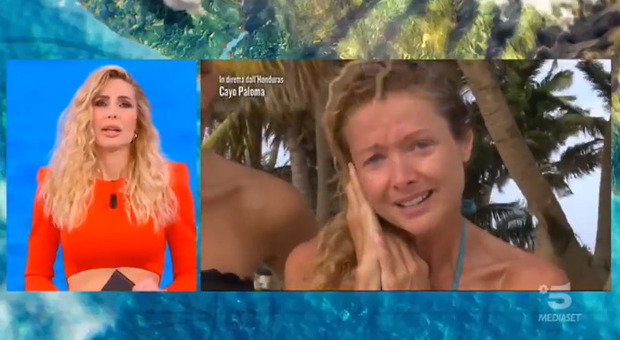 Isola dei Famosi, Angela Melillo fa commuovere Ilary Blasi: «Non ce la faccio, scusate»