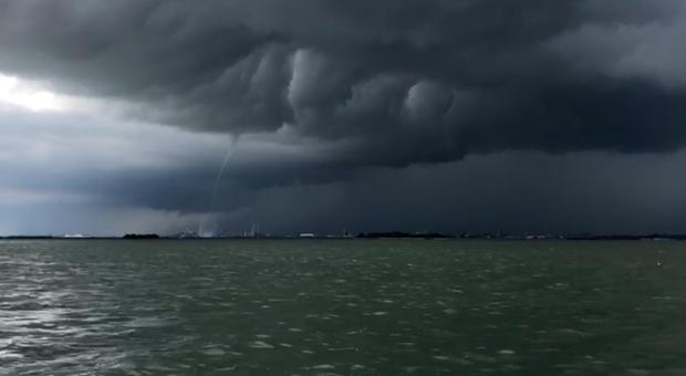 Maltempo sopra a Venezia (foto repertorio)