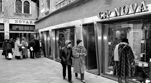 Cinema e negozi la venezia scomparsa perse tutte le for Negozi arredamento venezia