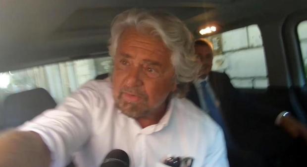 M5S, Grillo annuncia cambiamenti per i vertici: «Allargamento e democrazia diretta»