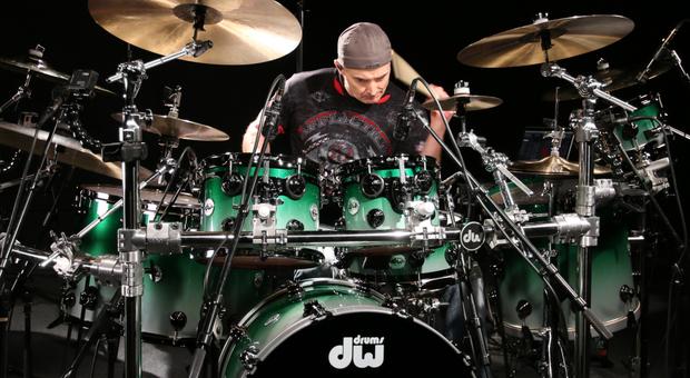 Il virtuoso della batteria Virgil Donati
