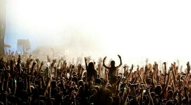 Covid, in Olanda quasi 1000 contagi dopo un festival. Gli organizzatori: «Siamo scioccati»