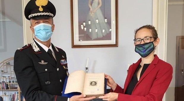 Il libro recuperato dai carabinieri