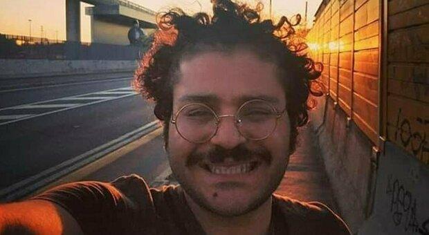 Zaki resta in carcere in Egitto, Ong: «Altri 45 giorni»