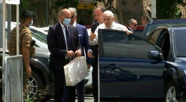 Papa Francesco, la decisione di tornare in Vaticano per mettere a tacere le voci sulla sua salute