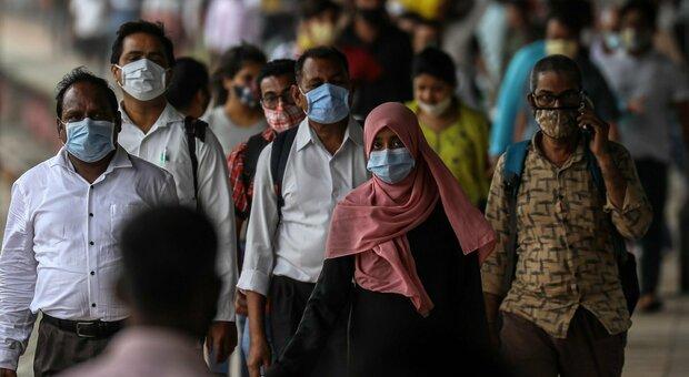 Covid, in India morti fino a 10 volte più di numeri ufficiali: «Fino a 4,9 milioni contro i 400mila dichiarati»