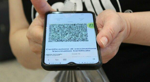 Green pass, agosto senza certificato per 17 milioni di italiani