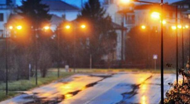 Troppi furti in casa: riaccesa tutta lilluminazione pubblica notturna