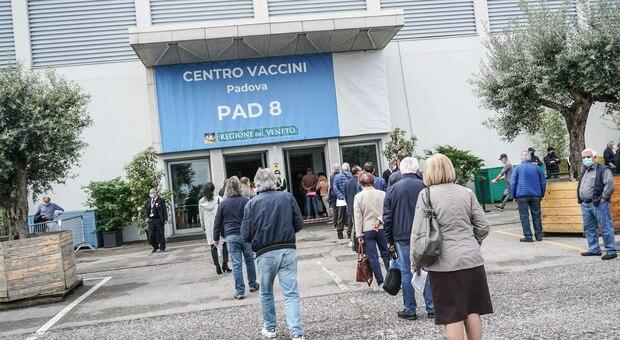 Azienda ospedaliera, altre 17 sospensioni di sanitari no vax: nessun medico