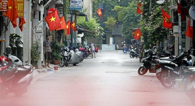 Covid, vietnamita condannato a 5 anni di carcere: «Ha contribuito alla diffusione del virus»