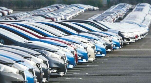 Ecobonus auto, lunedì il via: prenotazioni su piattaforma Mise, più tempo per le vetture usate