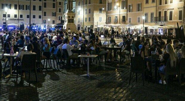 Roma, focolaio dopo concerto all'aperto: 30 infettati, anche una ragazza che aveva già ricevuto due dosi di vaccino