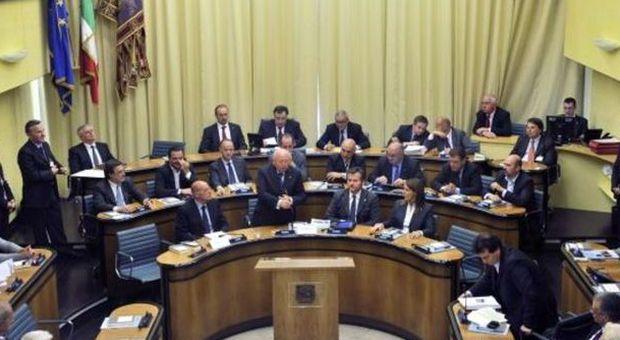 Una seduta del consiglio a palazzo Ferro Fini (archivio)