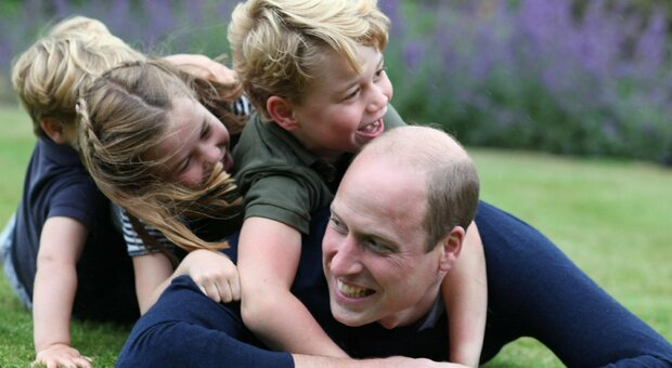 «George non sarà mai re, la monarchia si estinguerà tra due generazioni», le previsioni della scrittrice indignano il Regno Unito