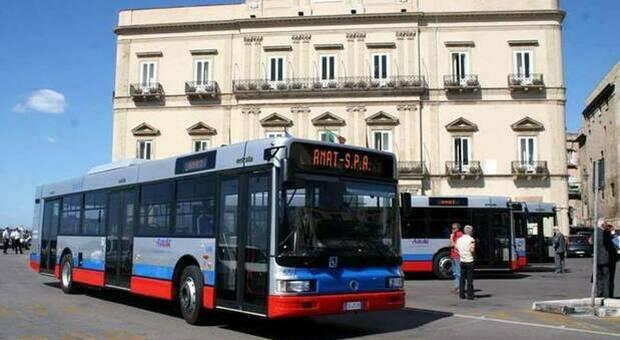 Disabile abusata su bus di linea a Taranto, indagati 8 autisti: «Approfittavano della fragilità della vittima»