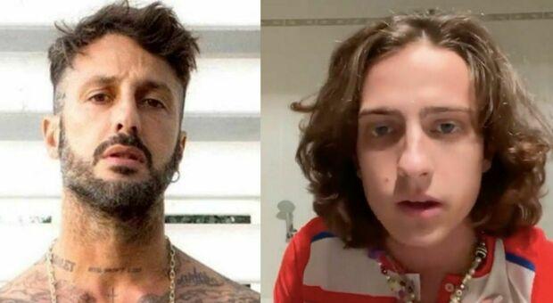 Sangiovanni, l'attacco di Fabrizio Corona: «Senza la storia d'amore in tv ora non saresti un artista»