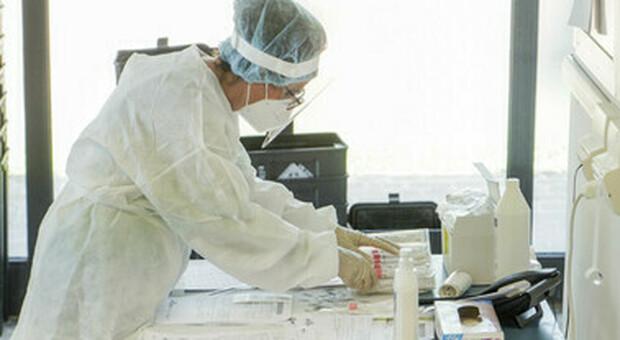 Coronavirus. Positivi due infermieri e quattro medici di base