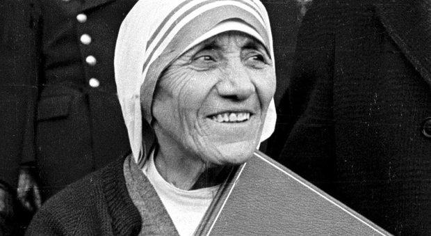 Madre teresa sar santa il papa firmer la canonizzazione for Casa di cura santa maria del pozzo