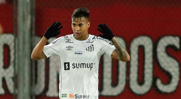 Milan-Juve, che sfida per Kaio Jorge. E il Santos conferma: «Sì, è arrivata un'offerta»