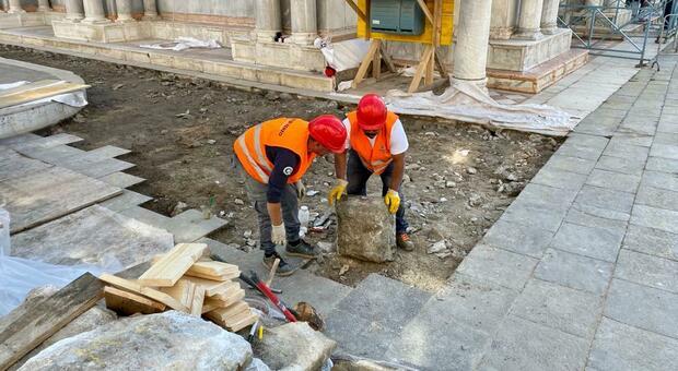 Al via i lavori per salvare la Basilica di San Marco, i turni degli operai in base alle maree
