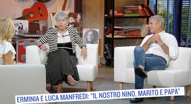 Le dichiarazioni della moglie di Nino Manfredi e del figlio: carriera, personalità e tradimento del grande attore
