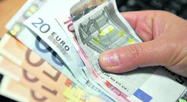 prostituta mi ruba i soldi dal portafoglio