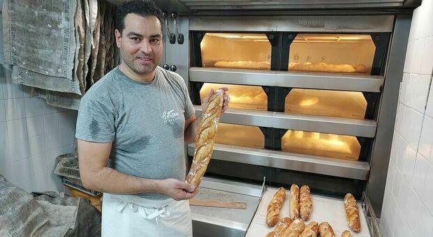 Il panettiere re della baguette di Parigi tradito dai post su Facebook: «È un ultrà islamico»