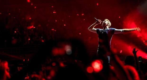 Coldplay, giallo sui biglietti esauriti del concerto di Milano: l'Antitrust indaga