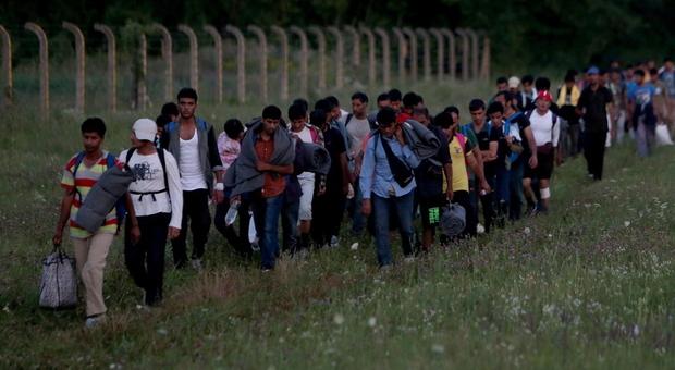 Migranti lungo il confine