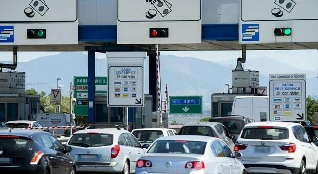 Autostrade, piano tariffe bloccato per lo scaricabarile dei ministeri