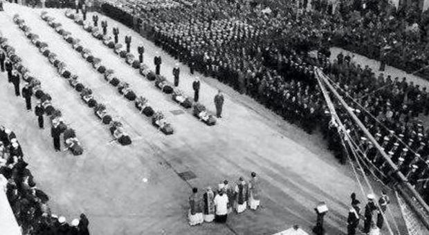 I funerali solenni a Livorno