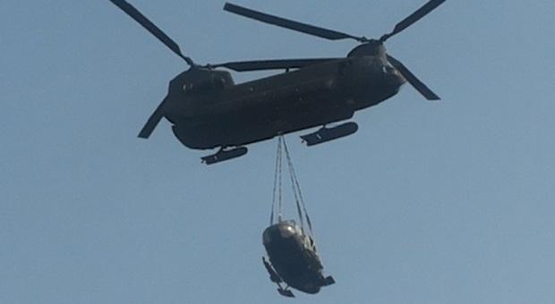 Elicottero Caduto : Elicottero caduto nel bellunese ecco le immagini del recupero