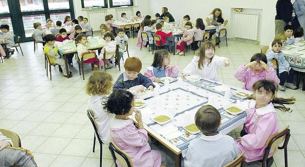 Foto d'archivio di un asilo durante la pandemia: ora sono i luoghi più colpiti dal Covid