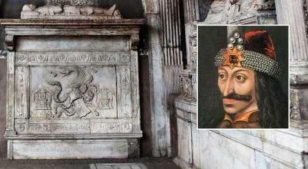 «Dracula è sepolto a Napoli, ecco dov'è la tomba»